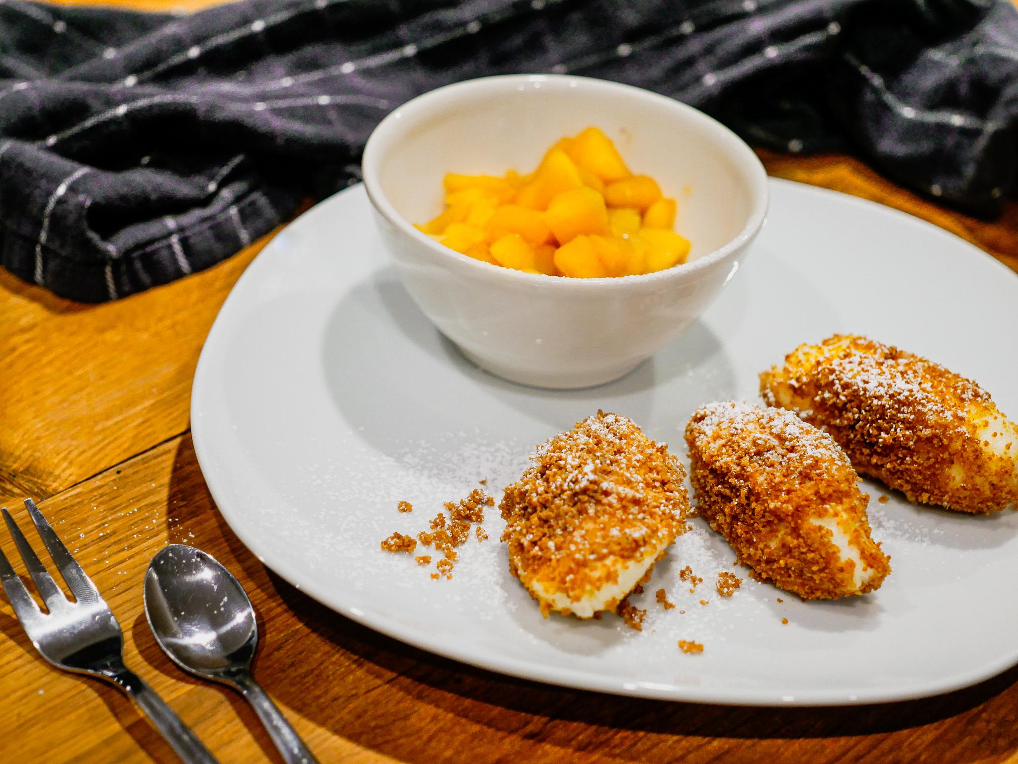 Grießnocken mit Apfelkompott
